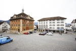 SUIZA 30. (SCHWYZ) LA PLAZA CENTRAL