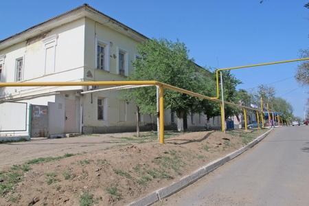 RUSIA 1° ENTRADA 66.(KRASNYY YAR) LA CIUDAD ESTA ALIMENTADA POR GAS, LAS TUBERIAS SON AMARILLAS Y ESTAN PELIGROSAMENTE AL AIRE LIBRE