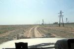 KAZAQUISTAN 1° ENTRADA 66. (CON DESTINO A UZBEKISTAN) CON TANTAS PISTAS ES MEJOR SEGUIR PARALELAMENTE A LA VIA DEL TREN