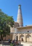 UZBEKISTAN 98 ( KHIVA MONUMENTAL) MINARETE ISLAM JODZHA, MIDE 50 M DE ALTURA