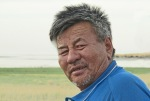 MONGOLIA 73 (EL LAGO KHAR NUUR) ESTAMOS SEGUROS QUE EL GRAN GENGIS KAN ERA COMO ESTE GUIA