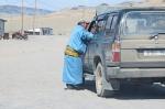 MONGOLIA 120 (HACIA ARVAYHEER) BUMBUGUR, EN EL CENTRO DEL PUEBLO