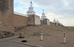 MONGOLIA 299 (KARAKORUM-EL MONASTERIO DE ERDENE ZUU) MURO EXTERIOR, LAS 100 ESTUPAS ESTAN A 15 M. DE DISTANCIA LAS UNAS DE LAS OTRAS