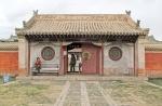 MONGOLIA 330 (KARAKORUM-EL MONASTERIO DE ERDENE ZUU) EL GRAN TEMPLO ZUU DE BUDA, ENTRADA PRINCIPAL AL CONJUNTO DE LOS MONUMENTOS