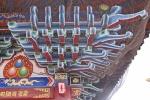 MONGOLIA 340 (KARAKORUM-EL MONASTERIO DE ERDENE ZUU) EL GRAN TEMPLO ZUU DE BUDA, REDES PUESTAS PARA QUE LOS PAJAROS NO ENSUCIEN LAS POLICROMIAS