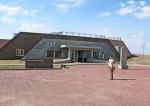 MONGOLIA 354 (KARAKORUM) EL MUSEO HISTORIA Y ARQUELEOGIA, EL EDIFICIO MAS MODERNO DE LA CIUDAD