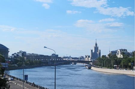 RUSIA 2° ENTRADA 3 (MOSCU) ATRVESANDO EL RIO MOSCOVA