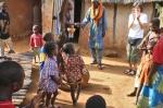 BURKIINA FASO 49 (EN UN POBLADO DE LA ETNIA SENUFO) YA HA EMPEZADO LA FIESTA