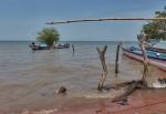 GHANA 32 (EL LAGO VOLTA) EL LAGO VOLTA ES EL EMBALSE DE MAYOR SUPERFICIE DEL MUNDO CON 8.500 KM², CORRESSPONDE AL 3,3% DE LA SUPERFICIE DE GHANA