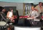 GHANA 68 (ACCRA, NUESTRA INTEVIU EN LA TELEVISION TV3 DE GHANA) YO ME LEVANTE ANTES DE TIEMPO Y ME FUI A SALUDAR A LOS CAMARAS, AUN ESTANDO EN ANTENA