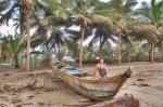 GHANA 72 (POR LA COSTA DE GHANA - REGION DE CAPE COAST) EN UN POBLADO DE PESCADORES