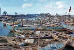 GHANA 82 (POR LA COSTA DE GHANA - ELMINA) PUERTO PESQUERO, ES EN LA ACTUALIDAD EL MOTOR ECONOMICO DE LA CIUDAD