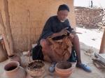 CAMERUN 60 EL BRUJO DE LOS CANGREJOS. … ANTES DE DARME LA POCION QUIERE PROVAR SU EFICACIA EN ELMISMO…