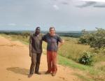 CONGO BRAZZAVILLE 14. (DISTRITO DE LA CUVETTE) REENCUENTRO CON ALI, UN CAMIONERO QUE CONOCIMOS DIAS ANTES EN GABON
