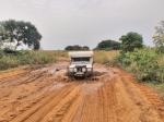 CONGO BRAZZAVILLE 2. (DISTRITO DE LA CUVETTE, CERCA DE AKELE) PENSAMOS QUE LAS PISTAS EN CONGO SON PEORES QUE EN EL VECINO EN GABON