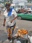 CONGO BRAZZAVILLE 48. (BRAZAVILLE CIUDAD) FAST FOOD A LA CONGOLESA...