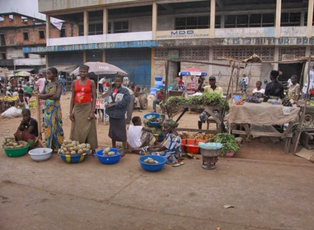 CONGO KINSASA 2. (KINSASA CIUDAD) ES LA CAPITAL DE LA REPUBLICA DEMOCRATICA DEL DEL CONGO, CUENTA CON MAS DE 10 MILLONES DE HABITANTES