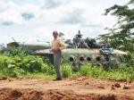 ANGOLA 11. (POR LAS PROVINCIAS DE ZAIRE Y BENGO) , MALOS RECUERDOS DE LA GUERRA, UN Mil Mi-17 RUSO DERRIBADO...